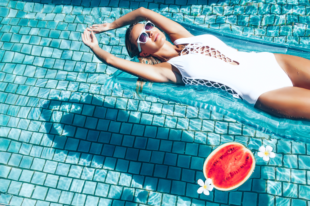 4 amazing reasons to eat watermelon on holiday